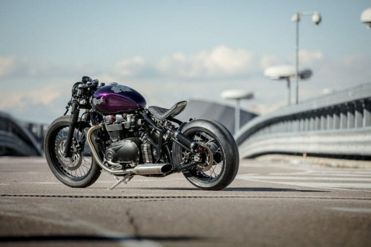 triumph-bobber-hold-on-go-fast-14-of-22
