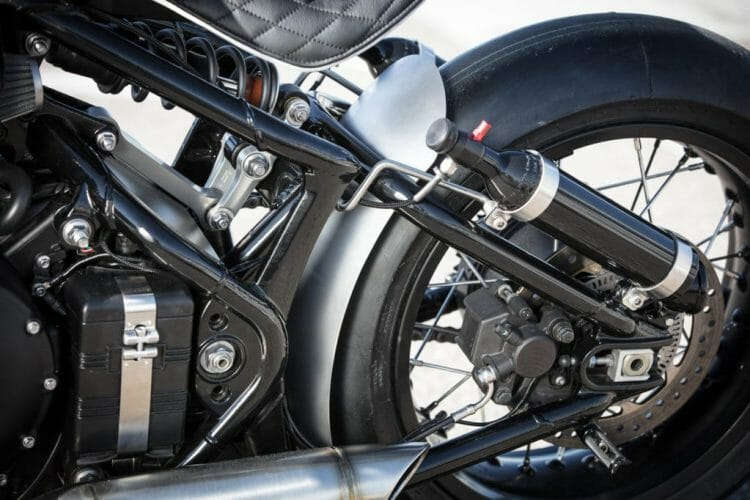 triumph-bobber-hold-on-go-fast-17-of-22