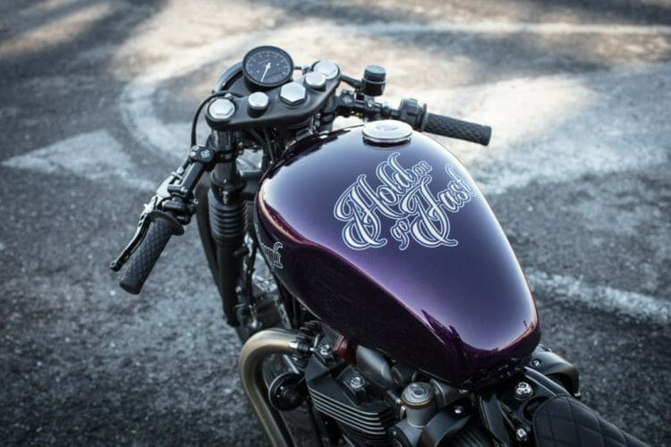 triumph-bobber-hold-on-go-fast-19-of-22